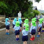 まずは元気にごあいさつ(^^)今日は内宮にある五十鈴川幼稚園のお友だちと一緒です♪の様子